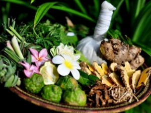 Thai Heat Herbal Healing Massage and Thai Facial (2hrs)